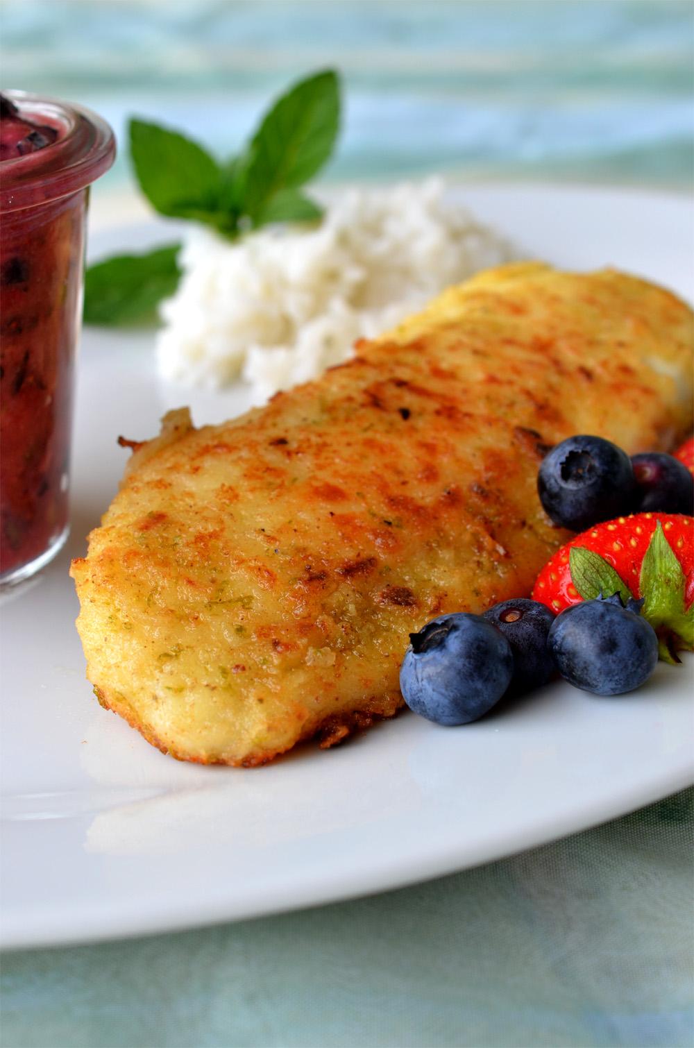 Tilapia-Filet mit Heidelbeer-Erdbeer-Limetten-Salsa