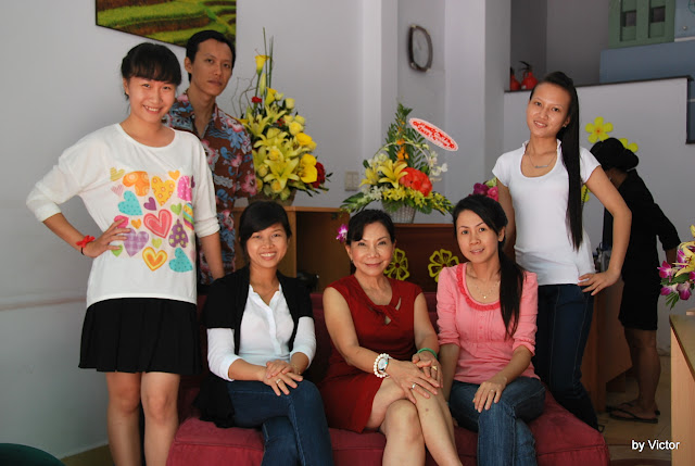 GM Hong birthday 2012 at Que Nha Restaurant
