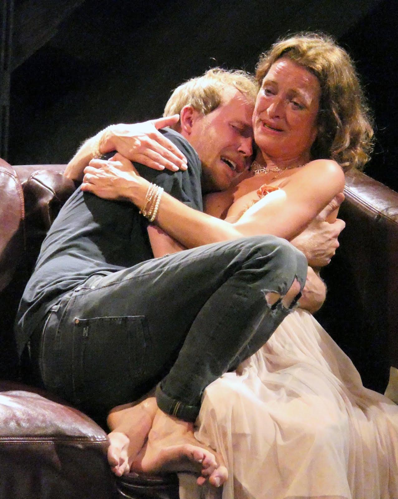 Hamlet, ki van ott? - Flute Theater (GB)