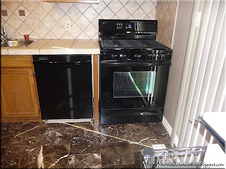 Whirlpool Gold dishwasher and stove