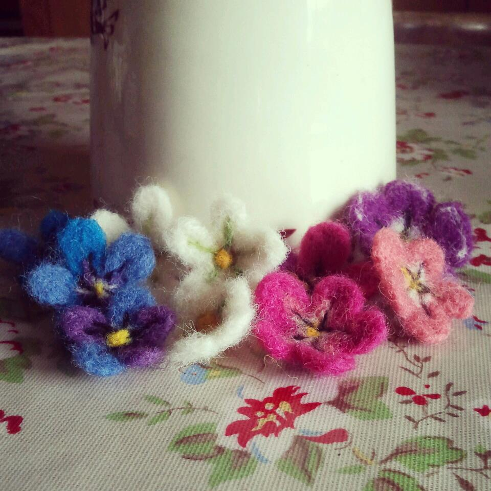 Needle felting easter eggs flowers and pretty ribbons then tie some beautiful ribbon around the middle of the egg and finish it off into a sweet bow ive used various ribbons from the lovely collections jane izmirmasajfo