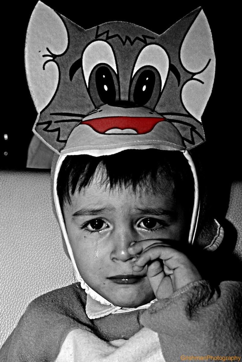 pustna maska, otroški jok, maškarada, foto: grisa miheljak, griša, portret,portrait, grishmanphotography