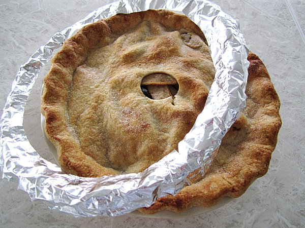 Mission: Food: Pear, Fig, and Walnut Pie