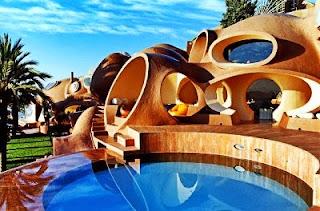 El Palacio de la Burbuja en la Riviera Francesa