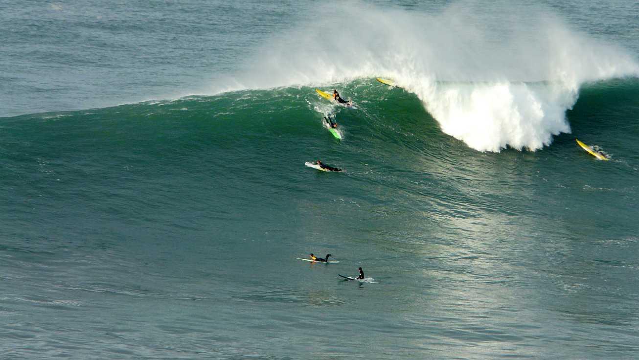 surf menakoz diciembre 2015 olas grandes 06