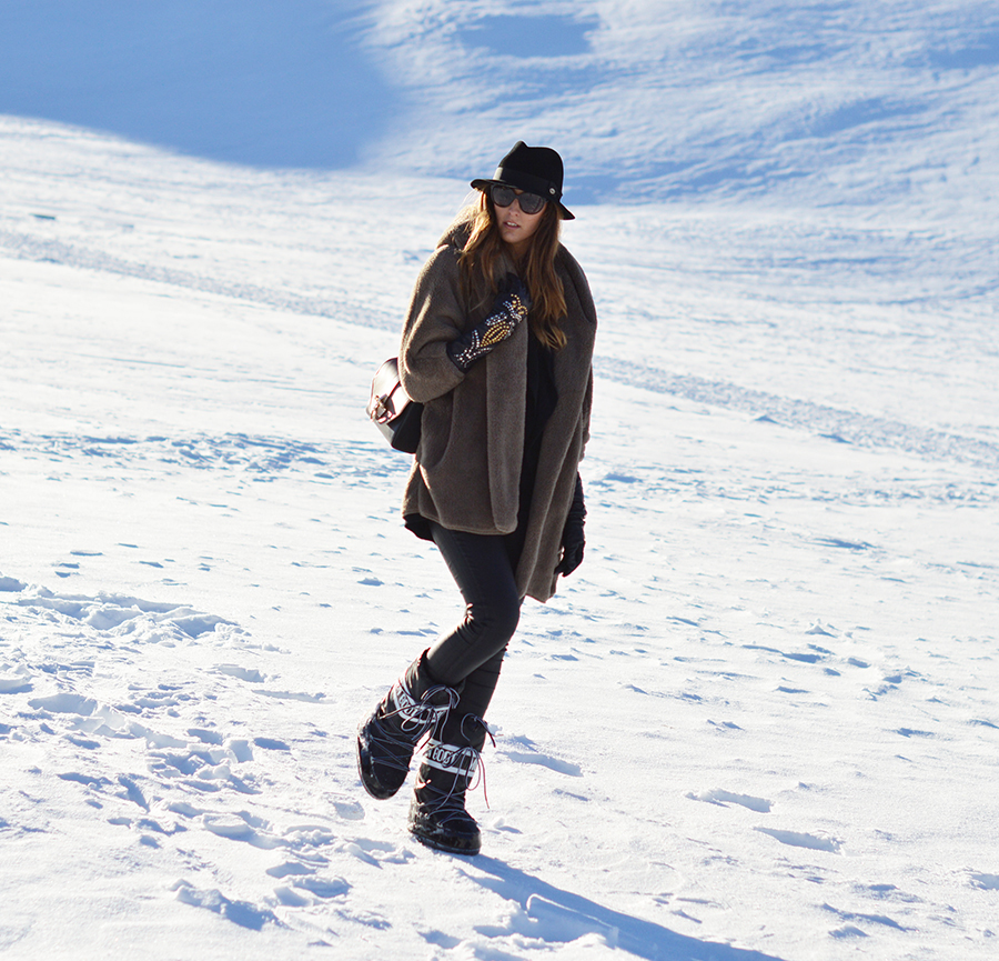 livigno, fashion blogger livigno moon boot, givenchy obsedia bag, elisa taviti fashion blogger, panizza hat, winter look, winter outfit fashion blogger