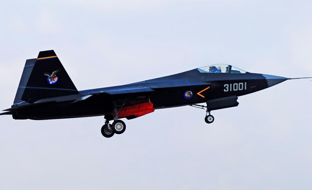 Imagens do Stealth Fighter chinês J-31 / F-60 de 5 ª Geração