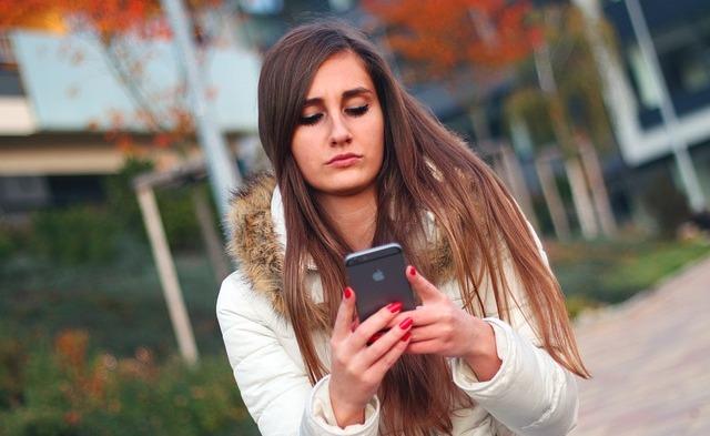 Jangan Menyelesaikan Masalah Dengan Seseorang Melalui SMS atau chatting