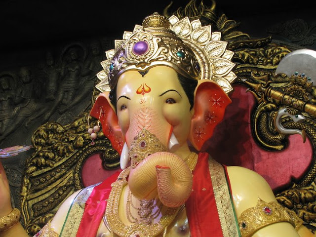 Lalbaugcha Raja 2011 Photos