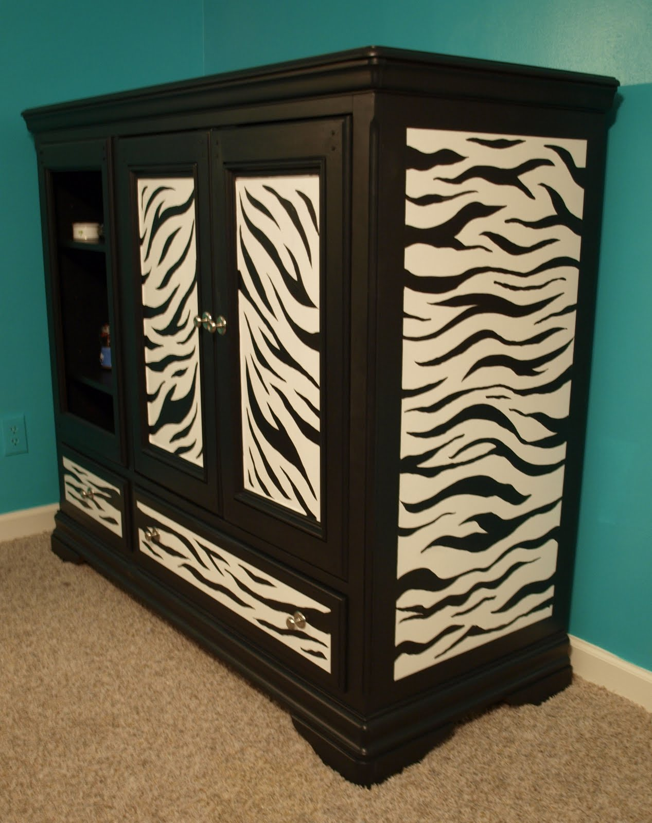 Painting Zebra Stripes On Furniture