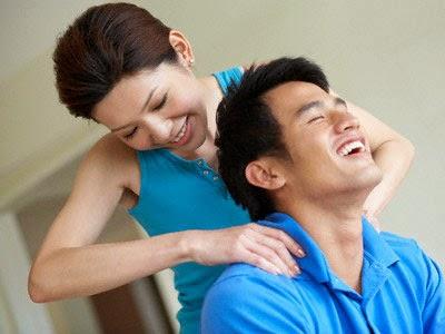 """Muốn vợ """"chiều"""", đàn ông cần biết chia sẻ"""