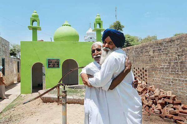Sikh man builds a mosque
