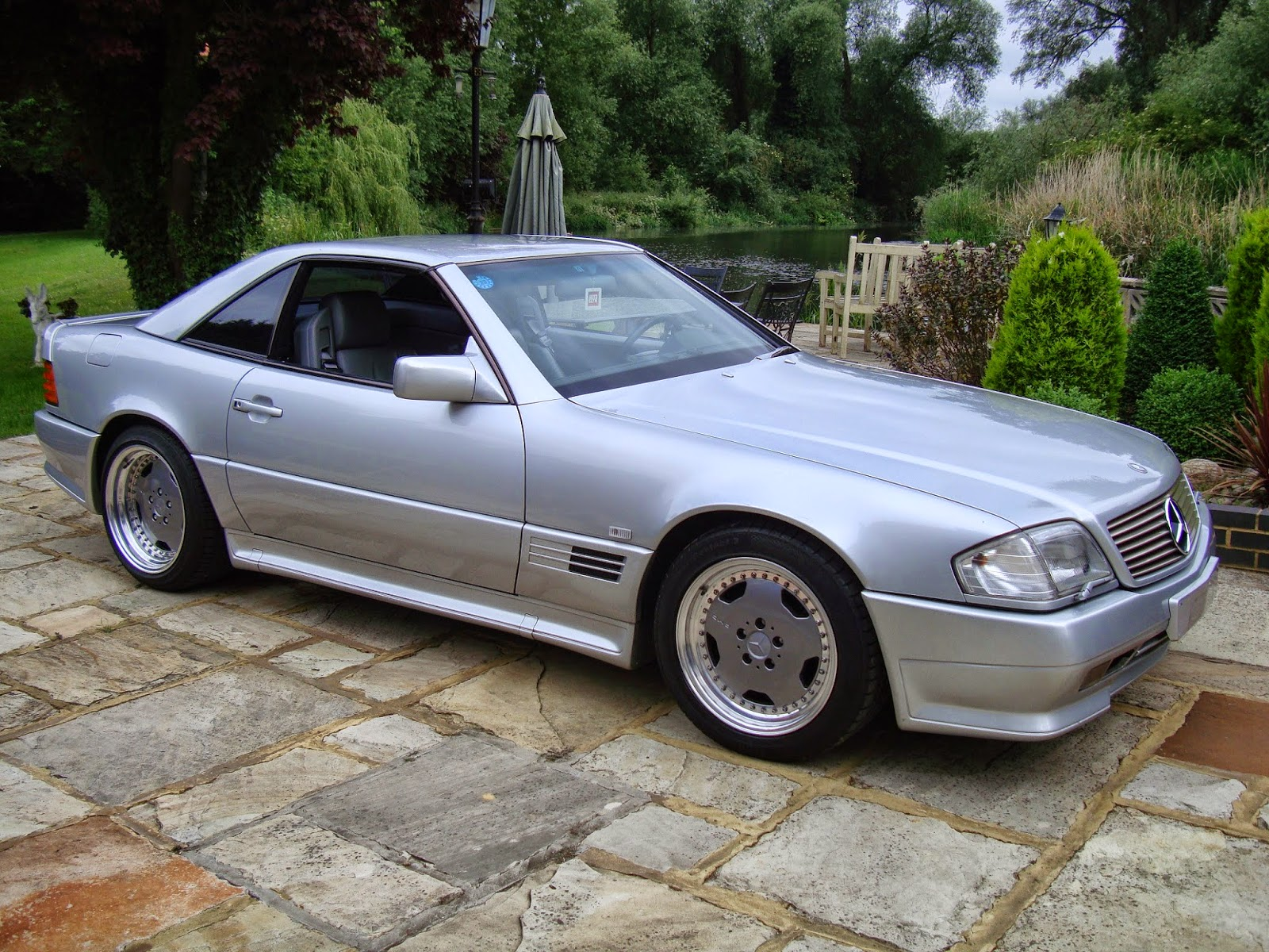Mercedes Benz S W Relay Fuse Box Cover A further Lx Un Nov further Xahh B X as well  furthermore Mercedes R Sl Amg. on 00 s500 fuse box location