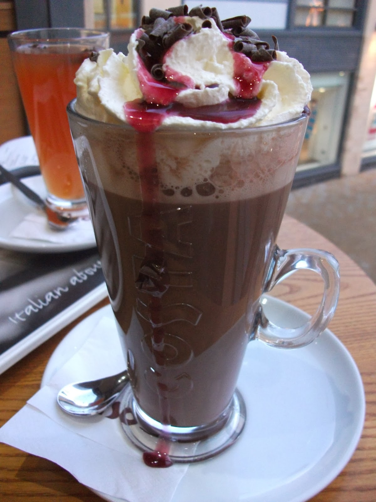 Kev's Snack Reviews: Costa Black Forest Hot Chocolate Review