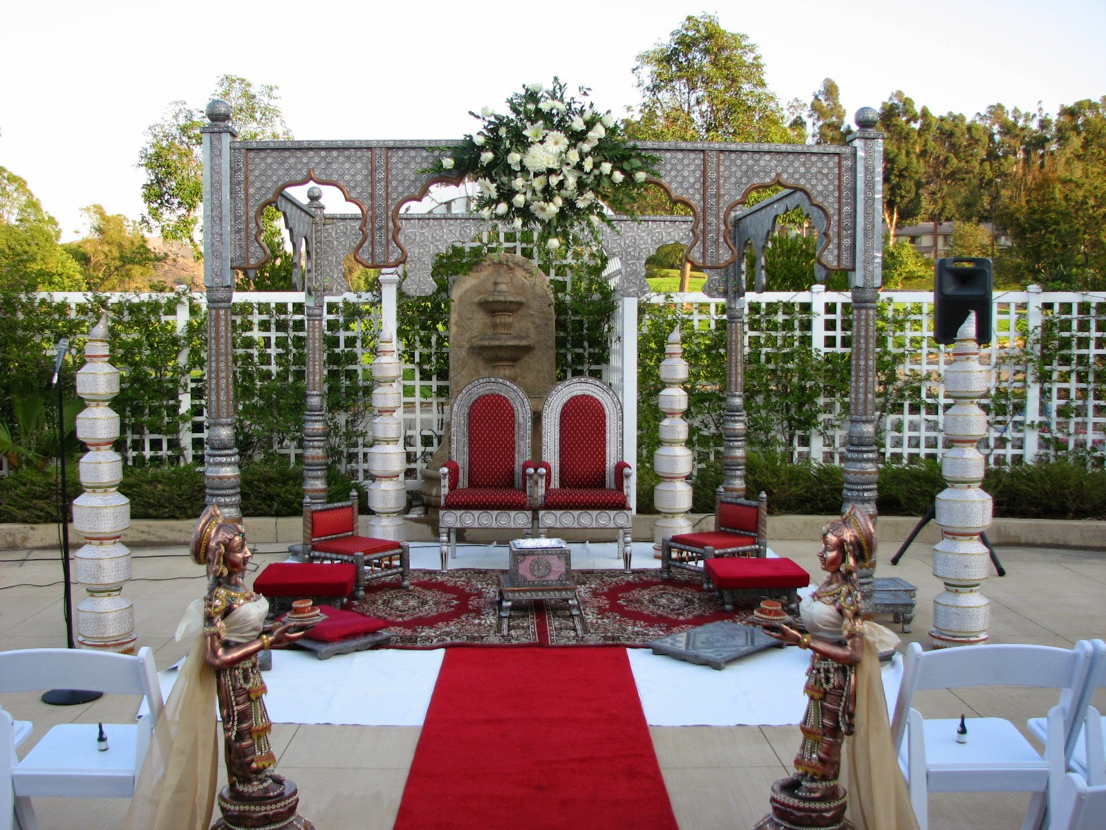 Hindu wedding checklist and traditional wedding process for Aarti thali decoration with grains