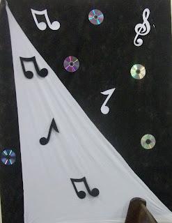 Malha Branca   Notas Musicais Em E V A E Cd S Para D   Um Brilho