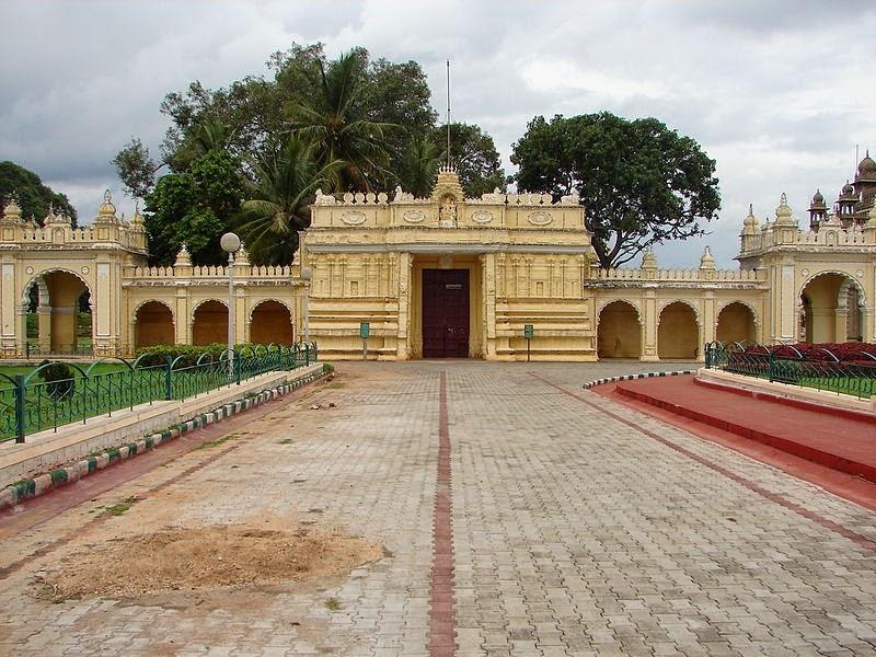 Trinayaneshwara temple in Mysore