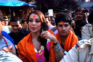 Bipasha Basu at Siddhivinayak's Ganpati visarjan