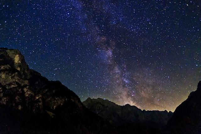La via Lattea fotografata dalla valle Planica, vicino Kranjska Gora, in Slovenia