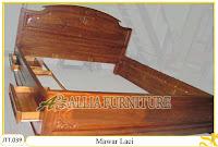Tempat tidur ukiran kayu jati Mawar Laci