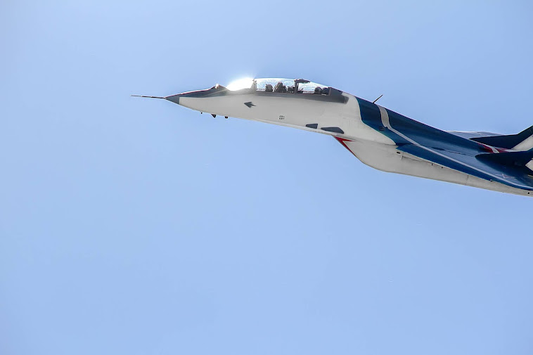 Fly in MiG-29 for tourists!
