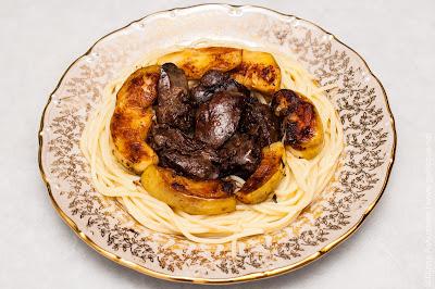 спагетти и печень индейки