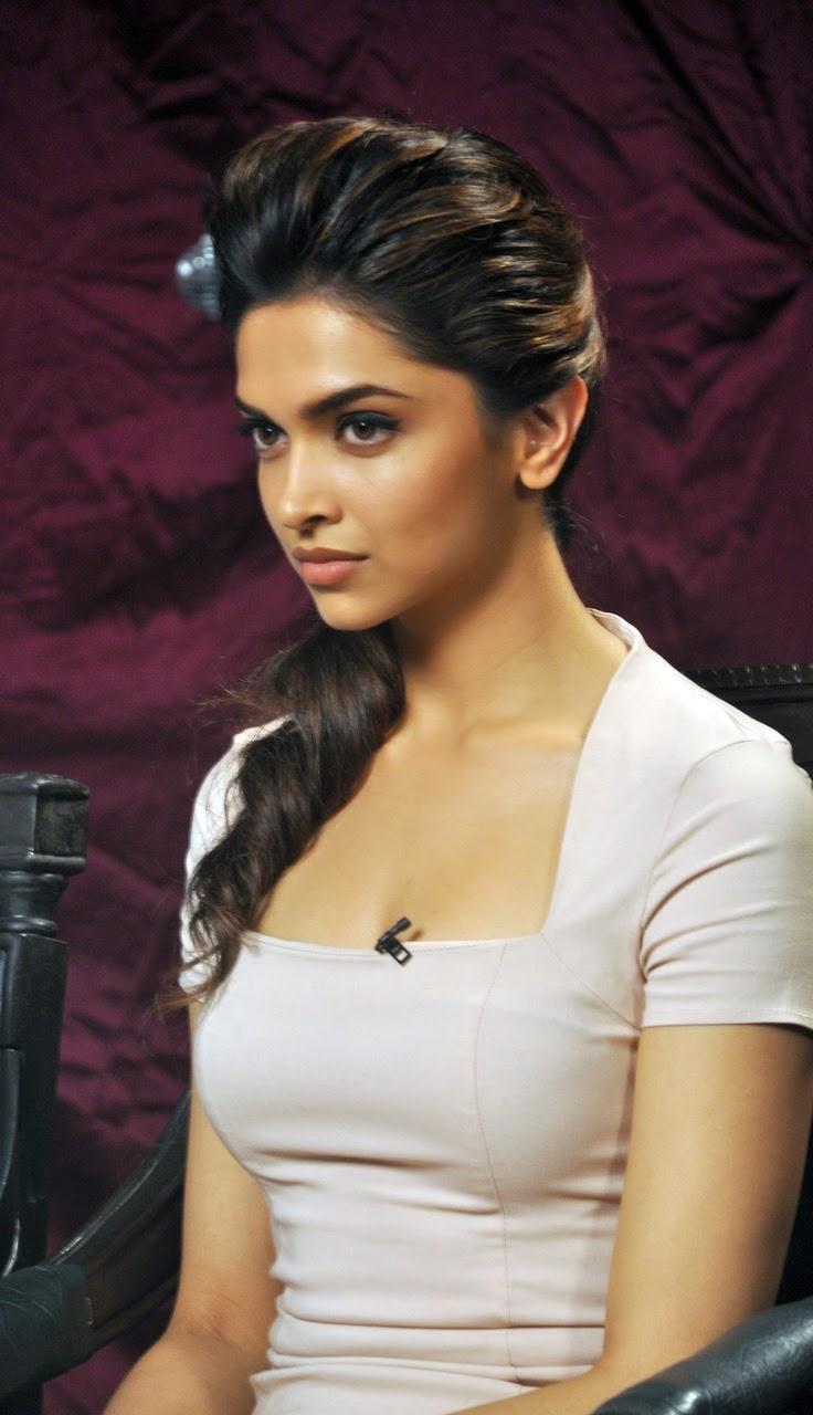 Bollywood Actresses Deepika Padukone Photos