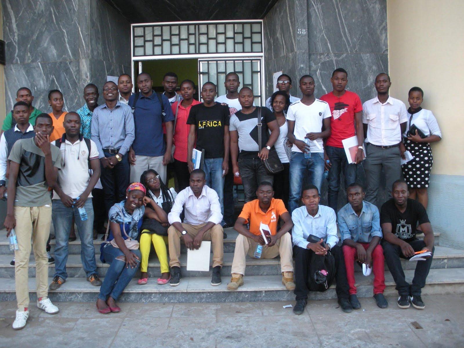 Participantes - Oficina de História - Archivo Histórico de Moçambique