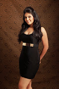 Actress Anjali Glamorous Photo shoto Gallery-thumbnail-12