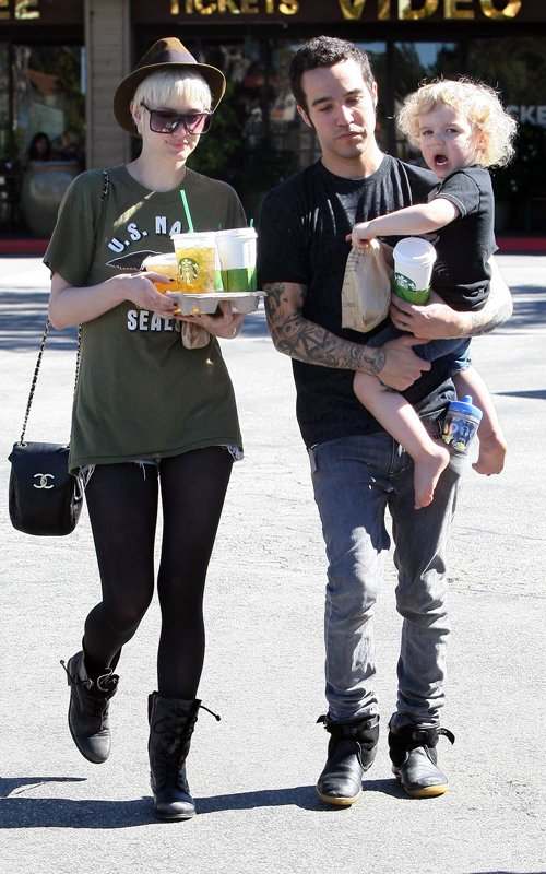 Spotted: Ashlee Simpson, Pete Wentz And Baby Bronx…TOGETHER!