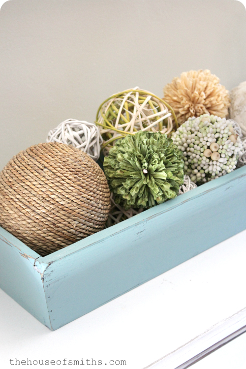 That being said  when I was changing things out a few weeks ago for  Spring Summer decor  I noticed that I started eliminating things a lot  quicker than I. Simple Summer Decor   Learning to Lose the  Stuff