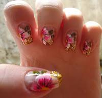 unhas decoradas com flores passo a passo