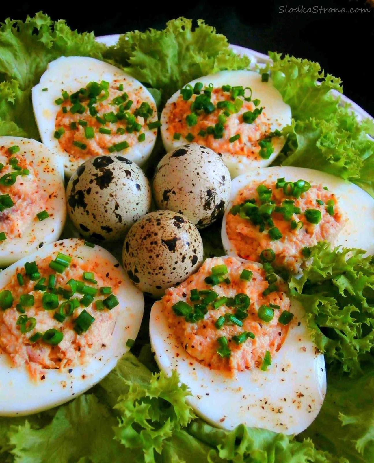 Jaja faszerowane pastą z Tuńczyka - Przepis - Słodka Strona