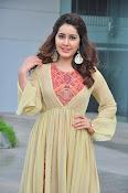 Rashi Khanna new glamorous photos-thumbnail-14