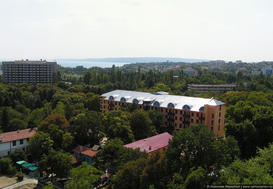 Курорт Святые Константин и Елена, Болгария. Вид на юг сверху.