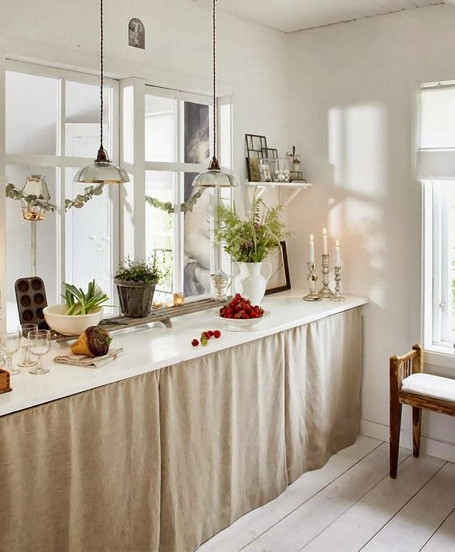 Boiserie c 35 metri quadrati da sogno - Mobili cucina con tendine ...