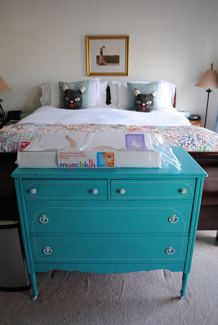 Vintage chic blog decoraci n vintage diy ideas para decorar tu casa de c moda antigua a - Cambiador bebe para comoda ...