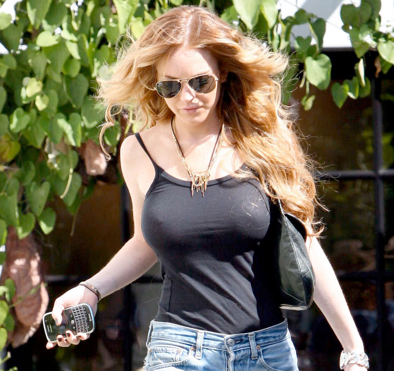 bra through Lindsay see lohan