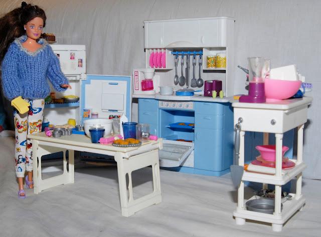 mamie tricote pour barbie janvier 2013. Black Bedroom Furniture Sets. Home Design Ideas
