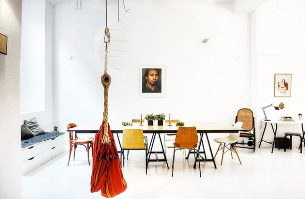 les chaises d pareill es. Black Bedroom Furniture Sets. Home Design Ideas