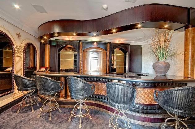 Miko rwayitare 39 s house in sandhurst sandton johannesburg for Luxury kitchen johannesburg