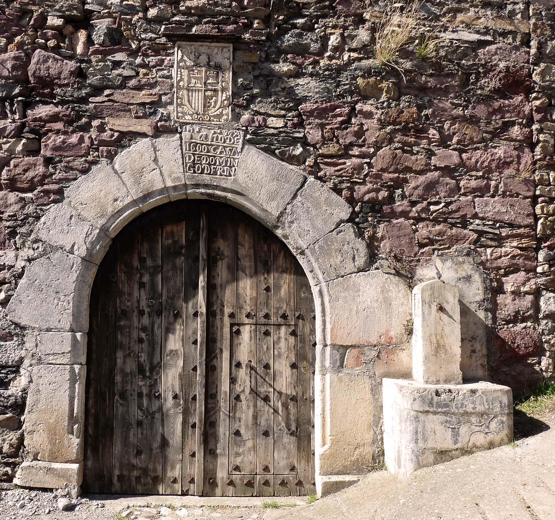 Entusiasco puertas en el valle de gista n for Puertas grandes antiguas