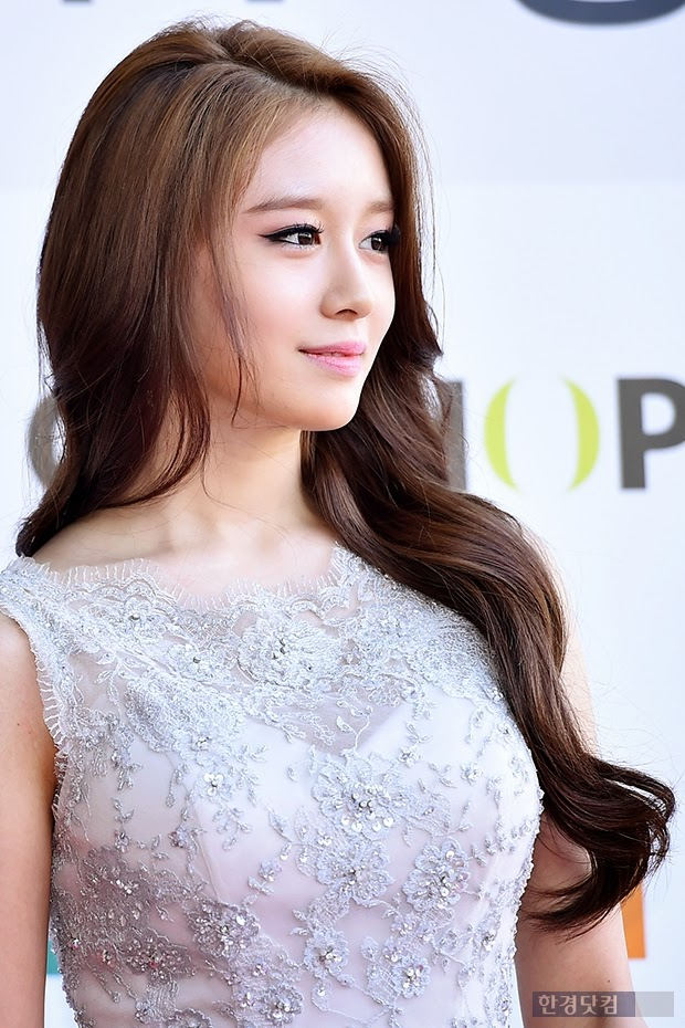 "T-ara's Jiyeon wins the "" Hallyu Star Award "" - allkpop"