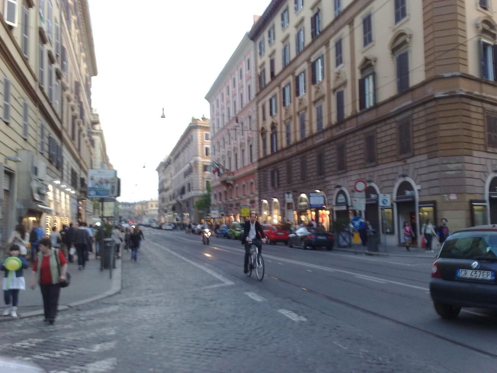 Roma Fa Schifo L Area Pedonale Di Via Ottaviano