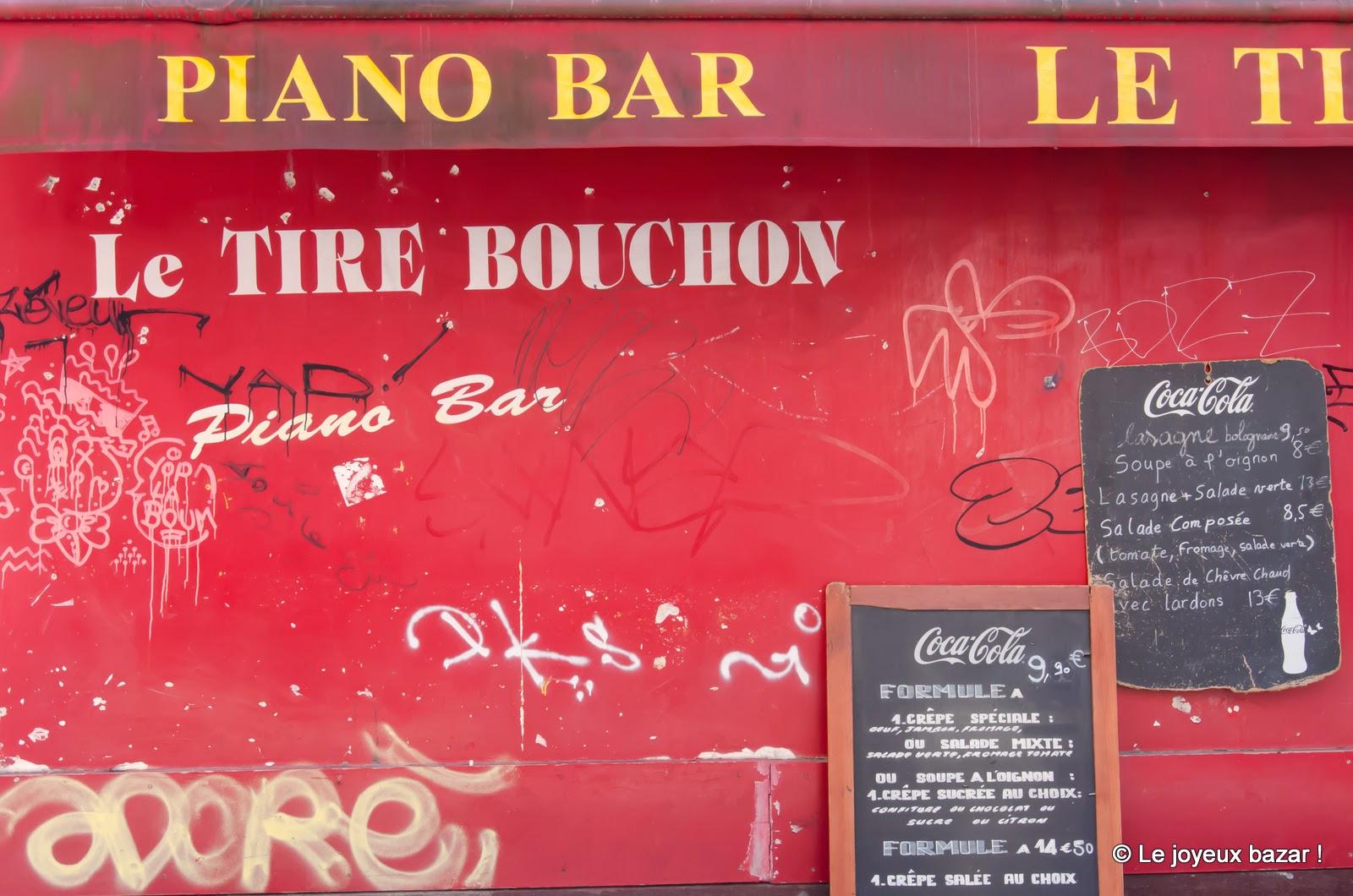 Paris - Montmartre - rue Norvins - Le Tire Bouchon