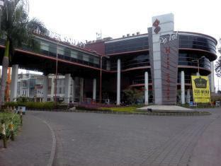 Hyper Inn