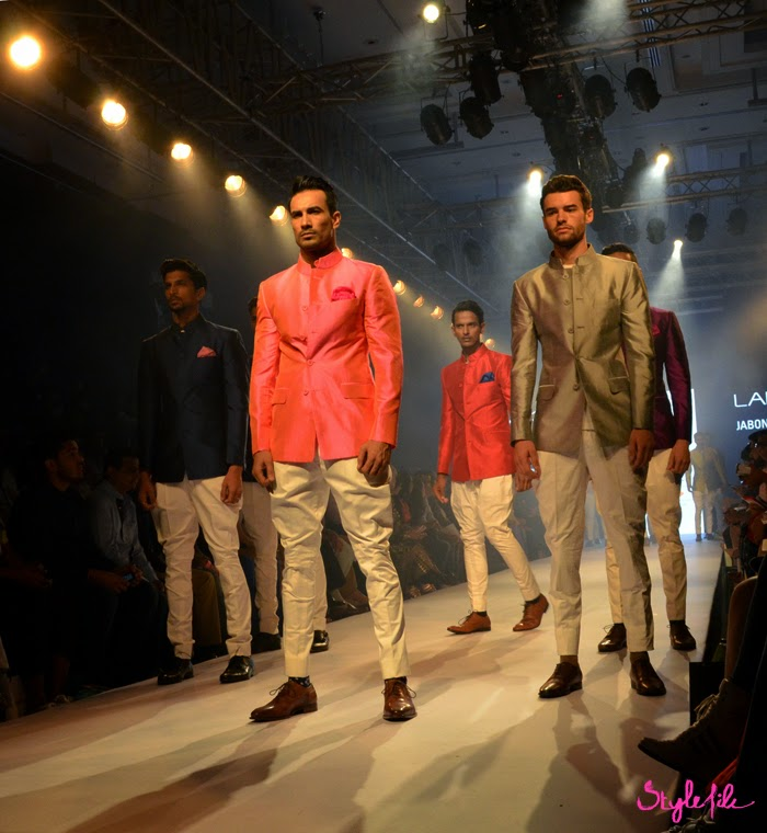 Lakme Fashion Week, LFW, Fashion Week, designer, model, raghavendra ratore, bandhgala, indian, menswear