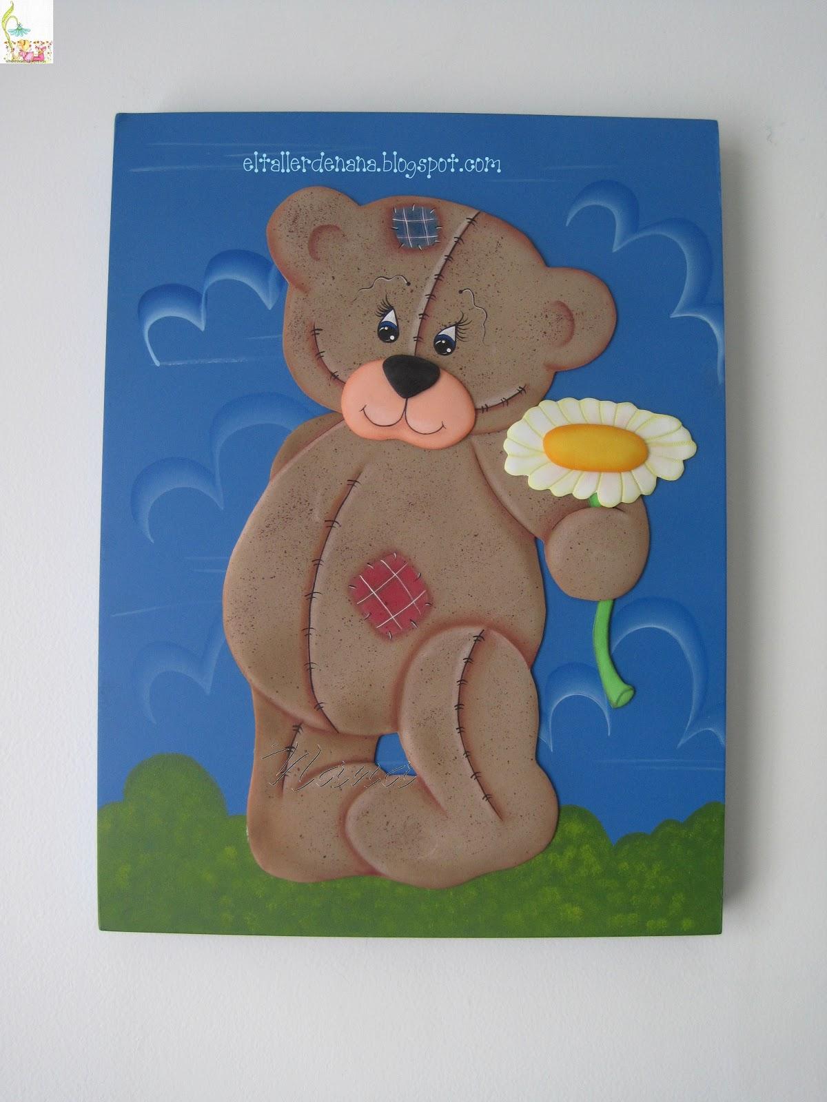 ... de osos la base es en madera y el aplique del oso en foamy un abrazo