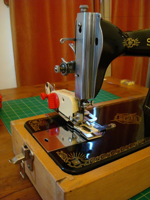 Singer 15 with button hole attachment
