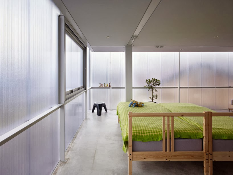 09-Master-Bedroom-Suppose-Design-Office-Translucent-Building-www-designstack-co